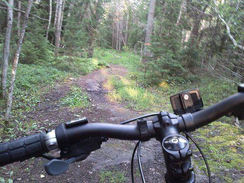 Med cykel på Värmdöleden